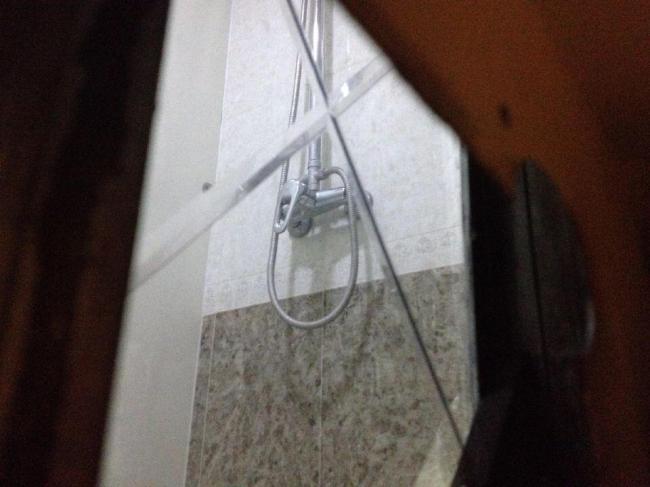 偷窥客_房东在浴室装双面镜 长期偷窥女租客 - 新闻中心 - 温哥华港湾