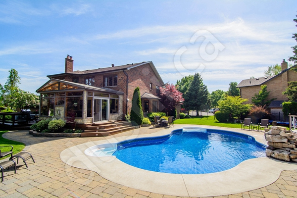 买房时家里有游泳池,加分还是减分?