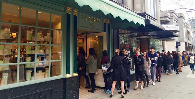 Ladurée温哥华店开业,为尝美食甘愿排长队