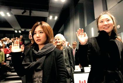 中国移民利好消息:未成年人或可单独申请入籍