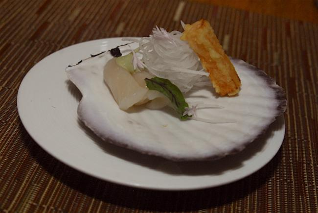 06 market scallop sashimi.JPG