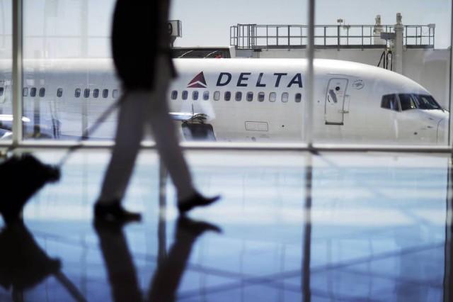 美国航空业为何不惧恶名?他大把撒钱