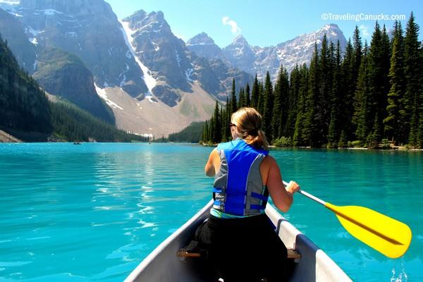 canoe-moraine-lake-banff-alberta.jpg