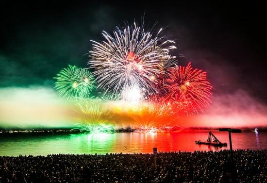fireworks2-550x377.jpg