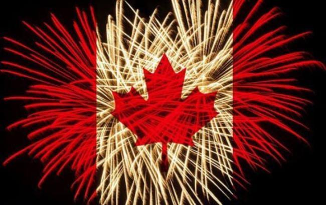 canadaflagfireworks.jpg