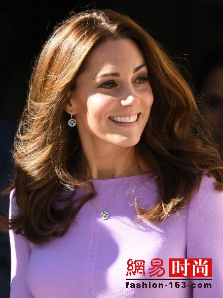 凯特王妃产后正式复出 小蛮腰好气色美过梅根
