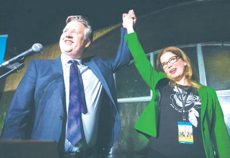 市选:甘�迪险胜 沈观健不认输或要求重新点票
