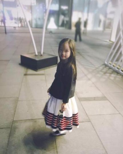 有一种基因叫高晓松的女儿 本以为不堪入目