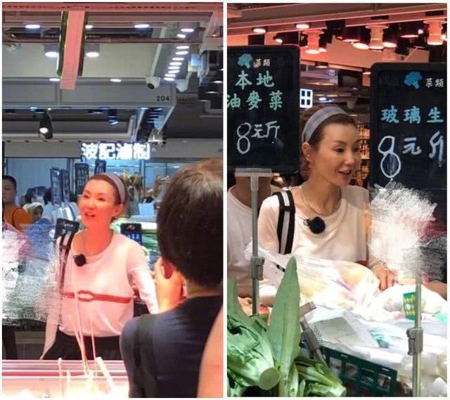 张曼玉与范丞丞现身菜市场买菜 素面朝天