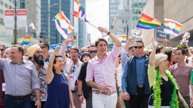 特鲁多携NDP和绿党蒙城骄傲大游行 熙尔又没去