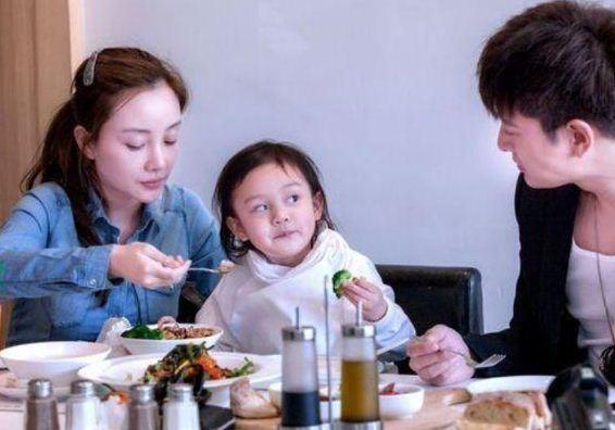 李小璐才是真正的富养女儿 暴露有钱人的家教