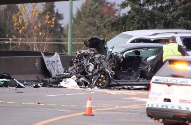 一女子被两车撞倒重伤,油罐车翻车起火多人重伤