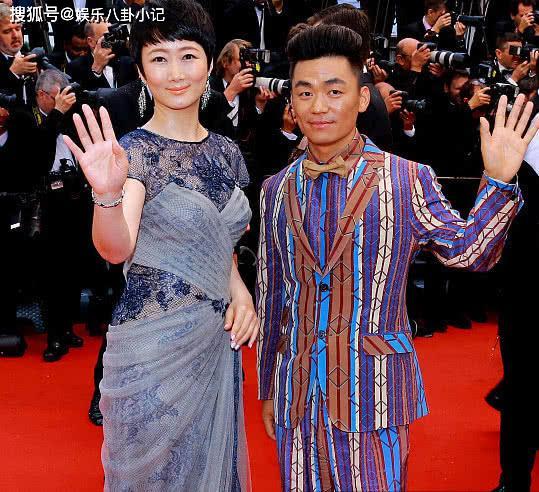 35岁王宝强意气风发 与马蓉离婚前后判若两人