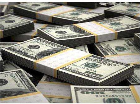 在国内这样取钱违规 他7天5次取1万美元被罚4万