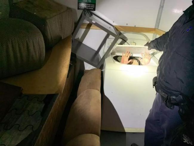 藏洗衣机、藏冰箱…11名中国人在美墨边境被捕
