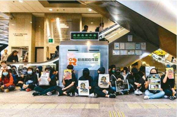 香港平安夜 警方严阵以待