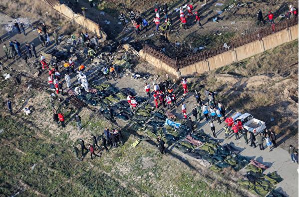 遇难者众多 加拿大坚持索要乌克兰坠机航班黑匣