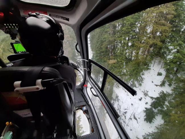 別去!大溫山區雪崩風險高 男子滑雪慘卡山崖