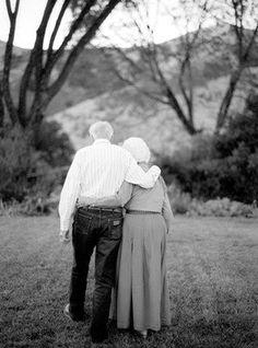 45743b1c3807f9f4b0a77755ead913a5--old-couples-cute-couples.jpg