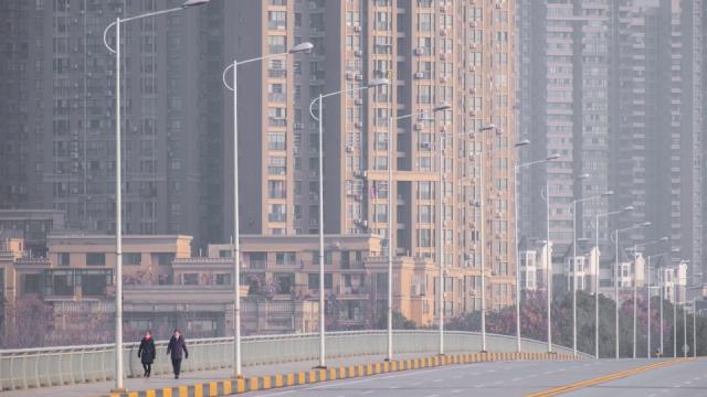 中國新增病例開始減少 世衛組織警告別太樂觀