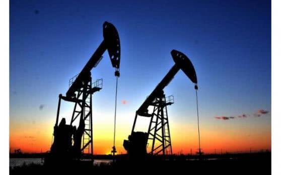 美股收盘全线上扬道指涨近700点 原油创18年新低
