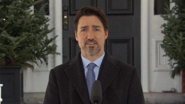 总理宣布生产更多加拿大的医疗物资和设备