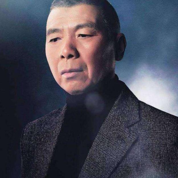 62岁冯小刚新片扑街 公司欠债47亿