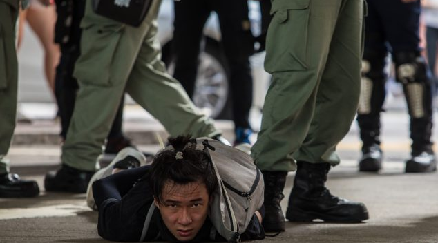 香港国安法开始实施,温哥华发生示威抗议