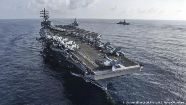 美国两艘航母南海军演 意在叫板中国?