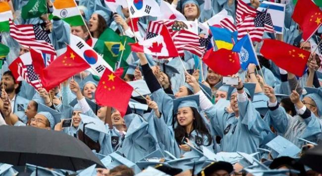 哈佛MIT起诉美国政府 顶级学府誓言保护国际学生