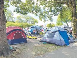 无家可归者公园通宵时段扎营今晚将表决