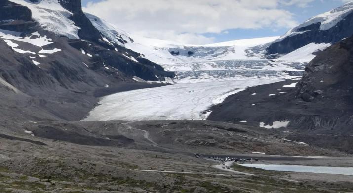 發生意外的周六下午,阿薩巴斯卡冰川遠眺圖。BanffJasperCollection.com