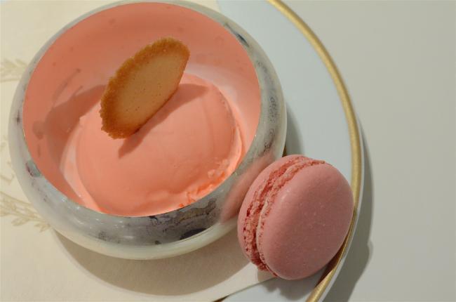 巴黎野餐风味  玫瑰冰淇淋让你清凉一夏