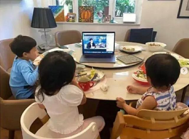 霍启刚晒3娃吃早餐获高赞,真正的精英教育,从不是单单追求物质