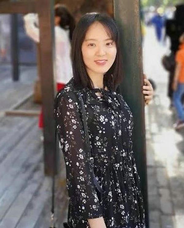 26岁女博士生导师因高颜值爆红 网友:巨浪!