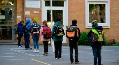 卑诗中小学重开时间已定 学生9月10日返校