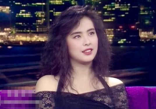 王祖贤20岁旧照曝光 有没有整容一目了然