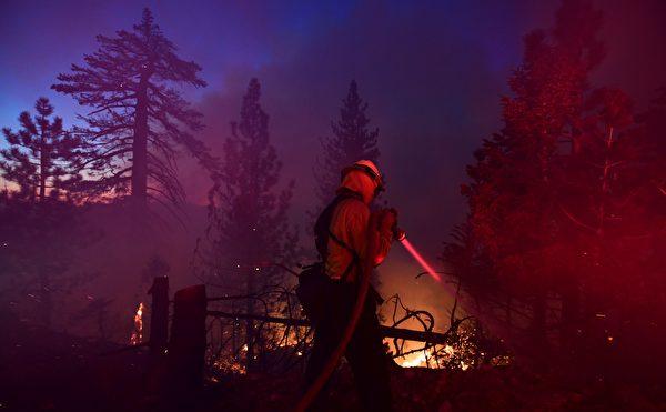 美国加州野火蔓延 逾6400座建筑被毁