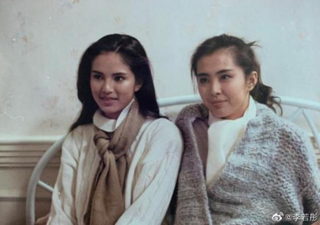 李若彤曝31年前与王祖贤合照 两女神同框太养眼