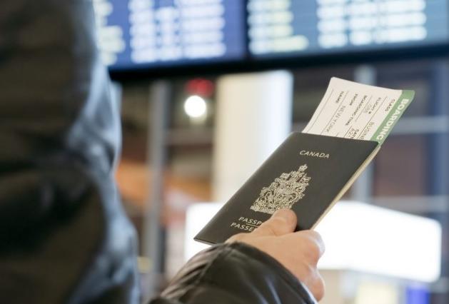 中国打击双重国籍:香港加拿大人临二选一难题