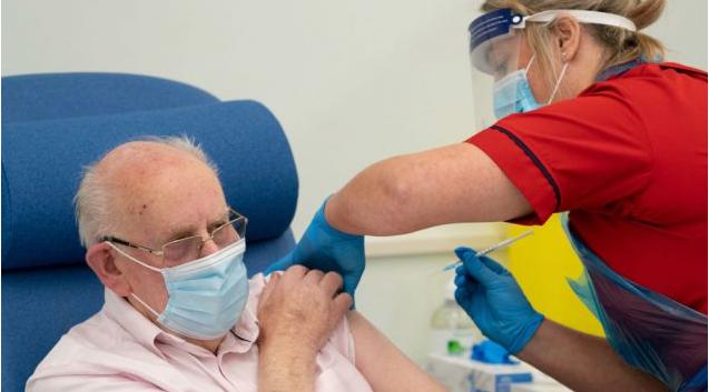 魁北克省护工打过第一剂辉瑞疫苗仍感染