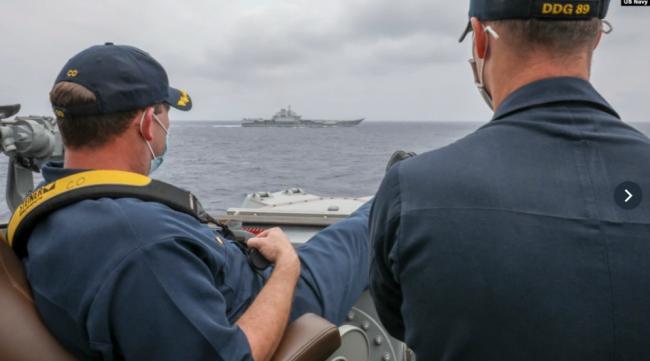 美中军舰相遇南中国海 地区紧张局势或加剧