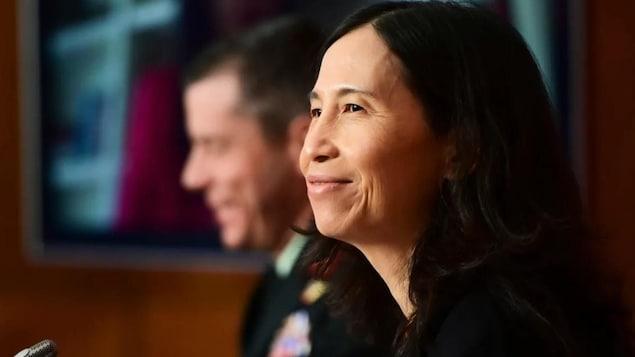 加拿大首席公共卫生官 Theresa Tam 医生在渥太华市的新闻发布会上。