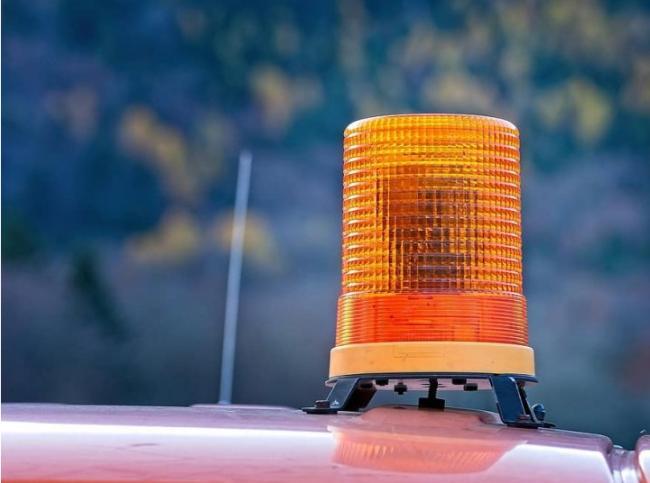 BC小镇发生山火 山火服务处发出疏散警示