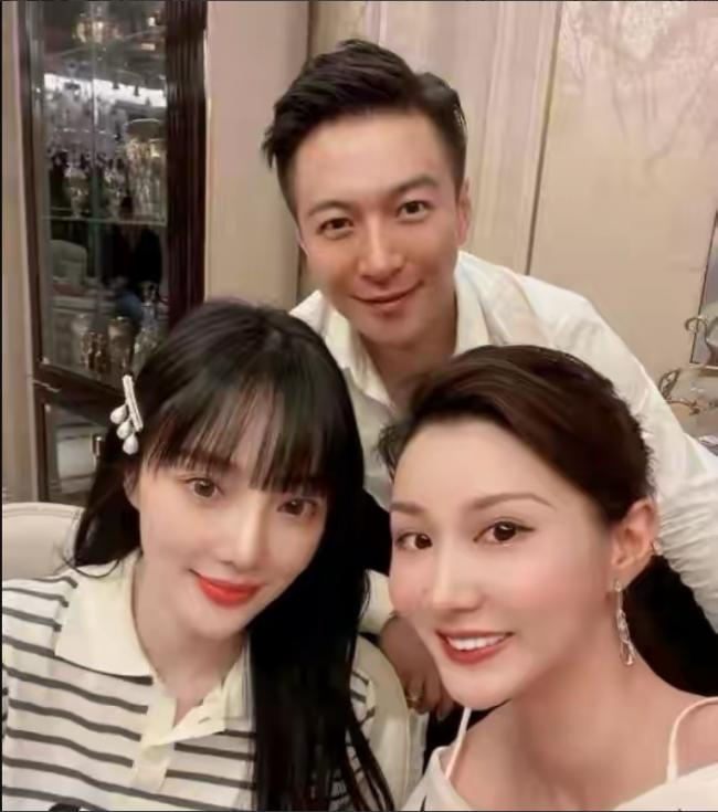 李小璐晒出家人团聚照 绯闻男友马智宇也在场