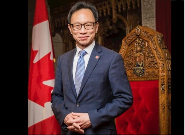 华裔参议员:加拿大没资格批评中国
