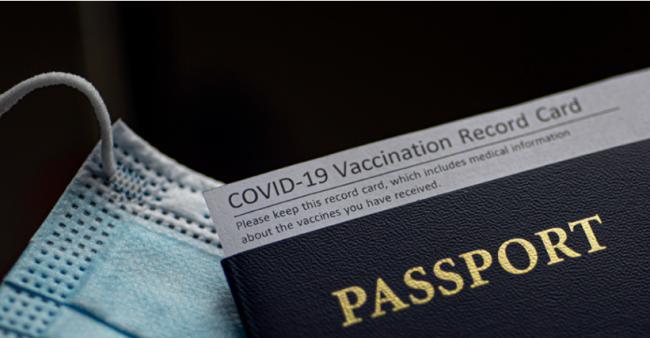 特鲁多官宣疫苗护照将上线 却遭首席卫生官打脸