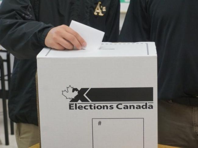 明日联邦大选 BC省各地票站将在明早7时起开放