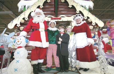 在传统的木屋内,将再现圣诞夜当日