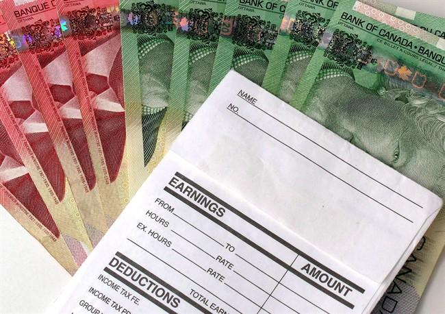 加拿大最新工资数据:每周平均赚$906.68
